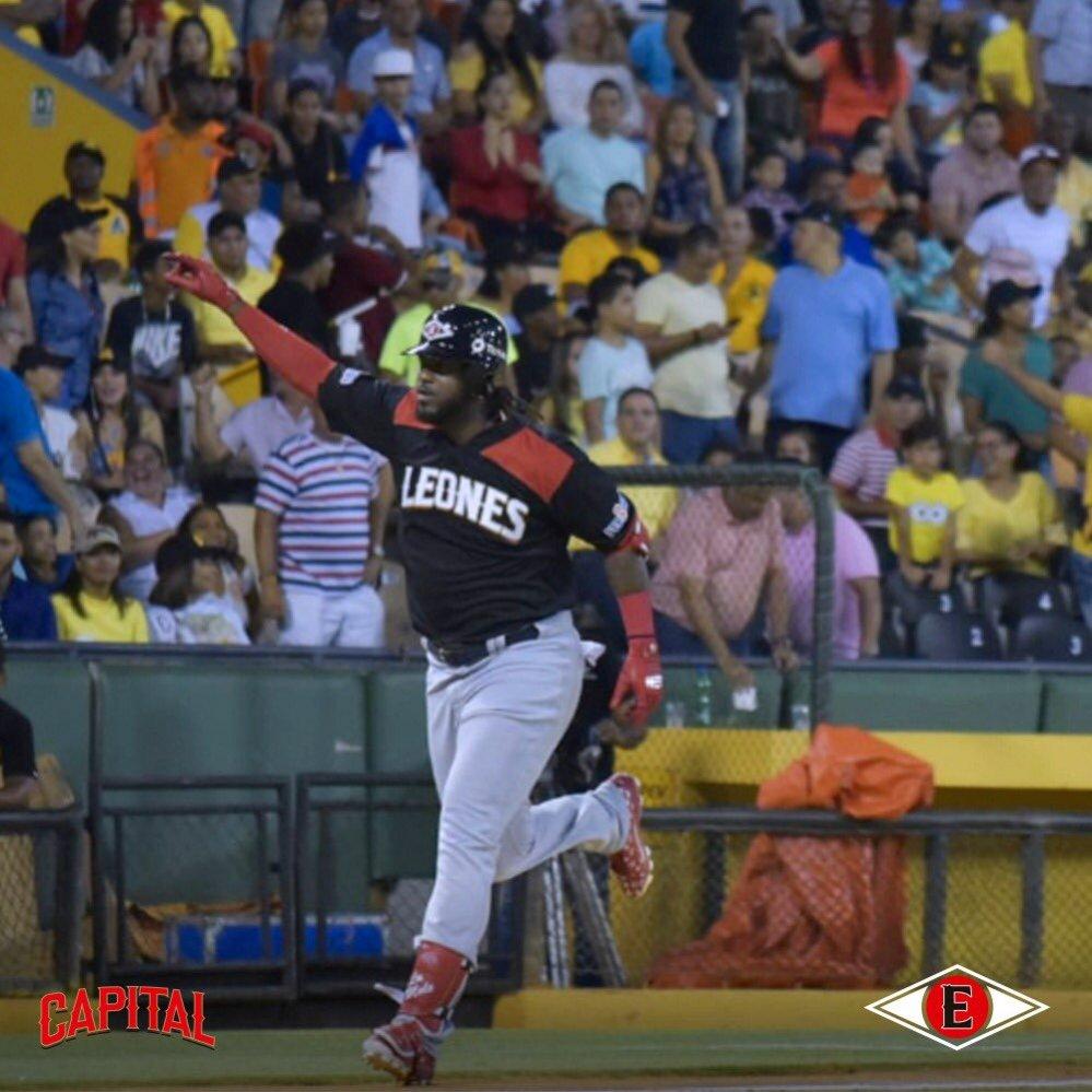 Franmil Reyes sufre desgarre de menisco en la rodilla derecha