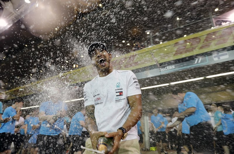 Lewis Hamilton se lleva victoria en Abu Dabi