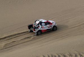 El catarí Nasser Al-Attiyah se proclamó campeón del Rally Dakar