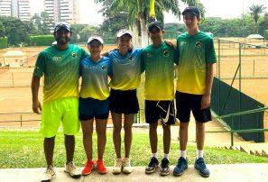 Tenista juvenil Enmanuel Muñoz inicia gira por Sudamérica