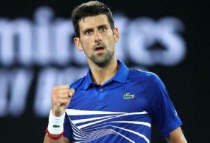 Djokovic se impuso ante Medvedev para seguir avanzando en Australia