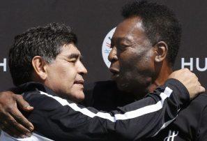 Pelé le desea una rápida recuperación a Maradona