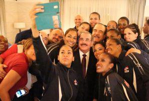 Danilo Medina felicita voleibol por ganar Serie del Caribe en PR