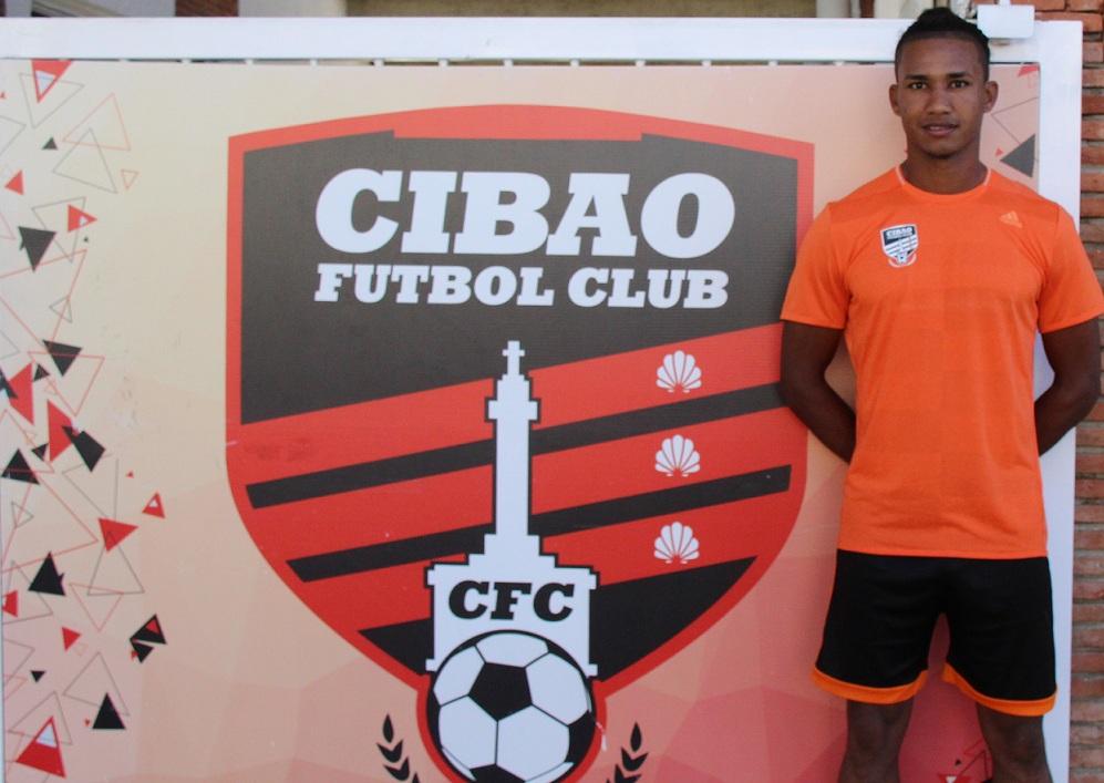 Cibao FC anuncia la firma del defensa central Ismael Diaz