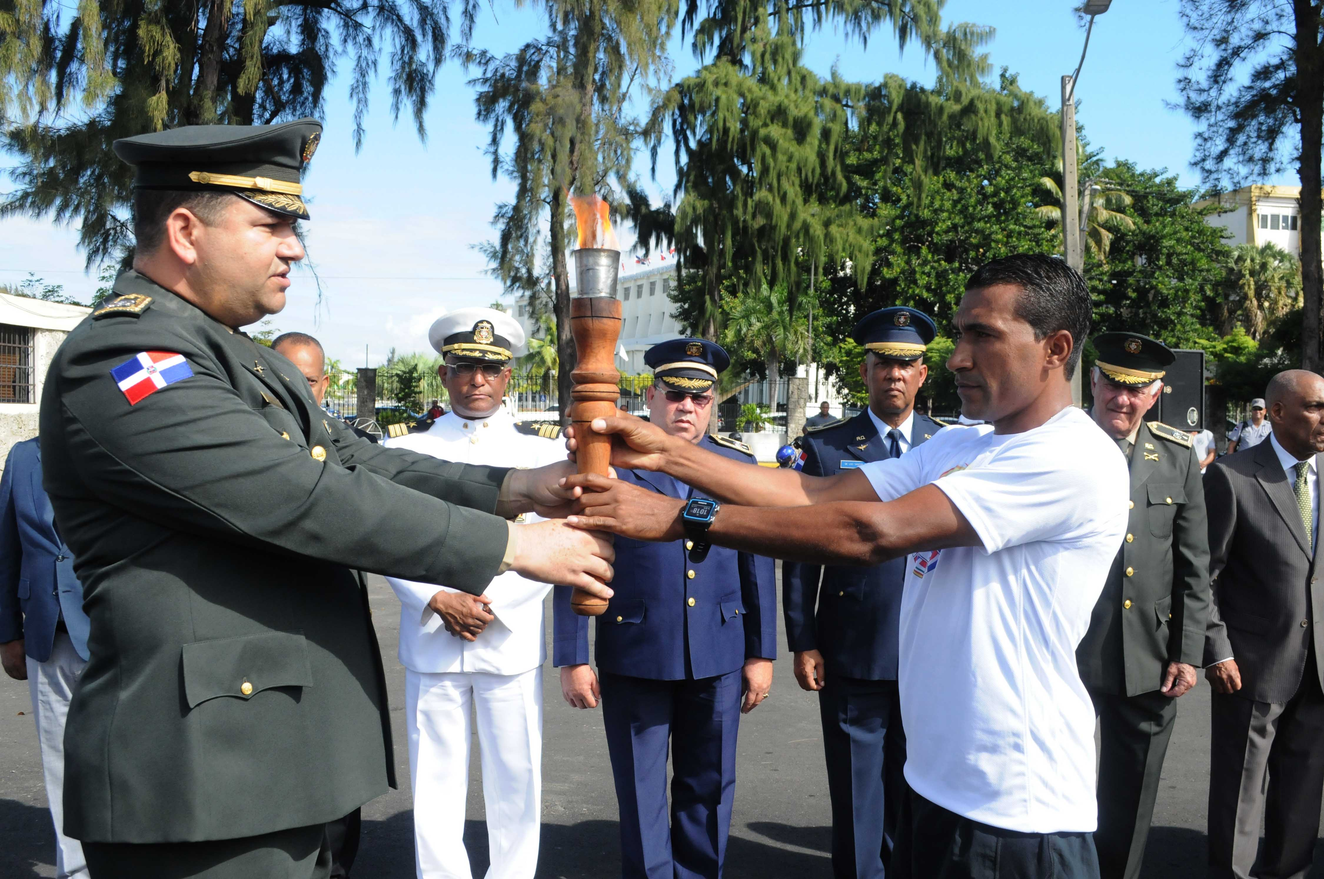 Inicia recorrido de la antorcha de los Juegos Deportivos Militares