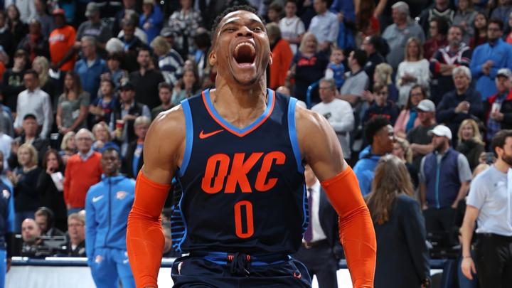 Westbrook aumentó a 11 su racha de juegos con triple-doble
