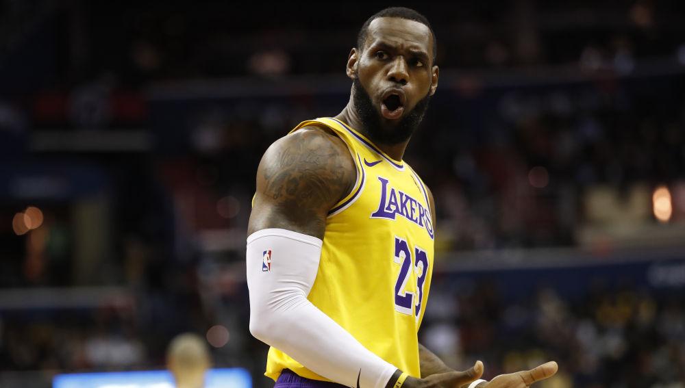 LeBron James critica doble moral en la NBA