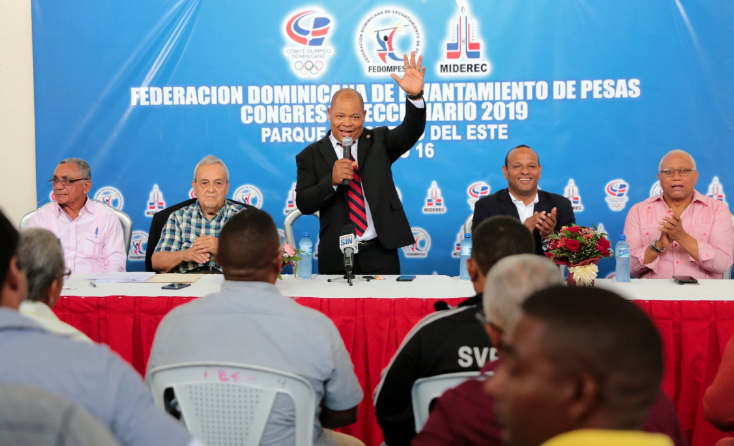 William Ozuna es reelecto presidente de la Federación Dominicana de Pesas