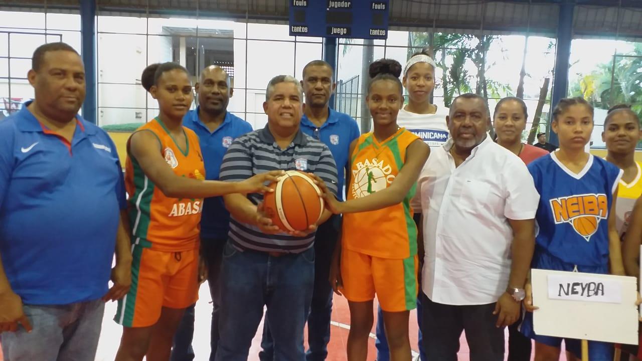 Distrito, San Cristóbal y Santiago triunfan en inicio basket U-16 femenino