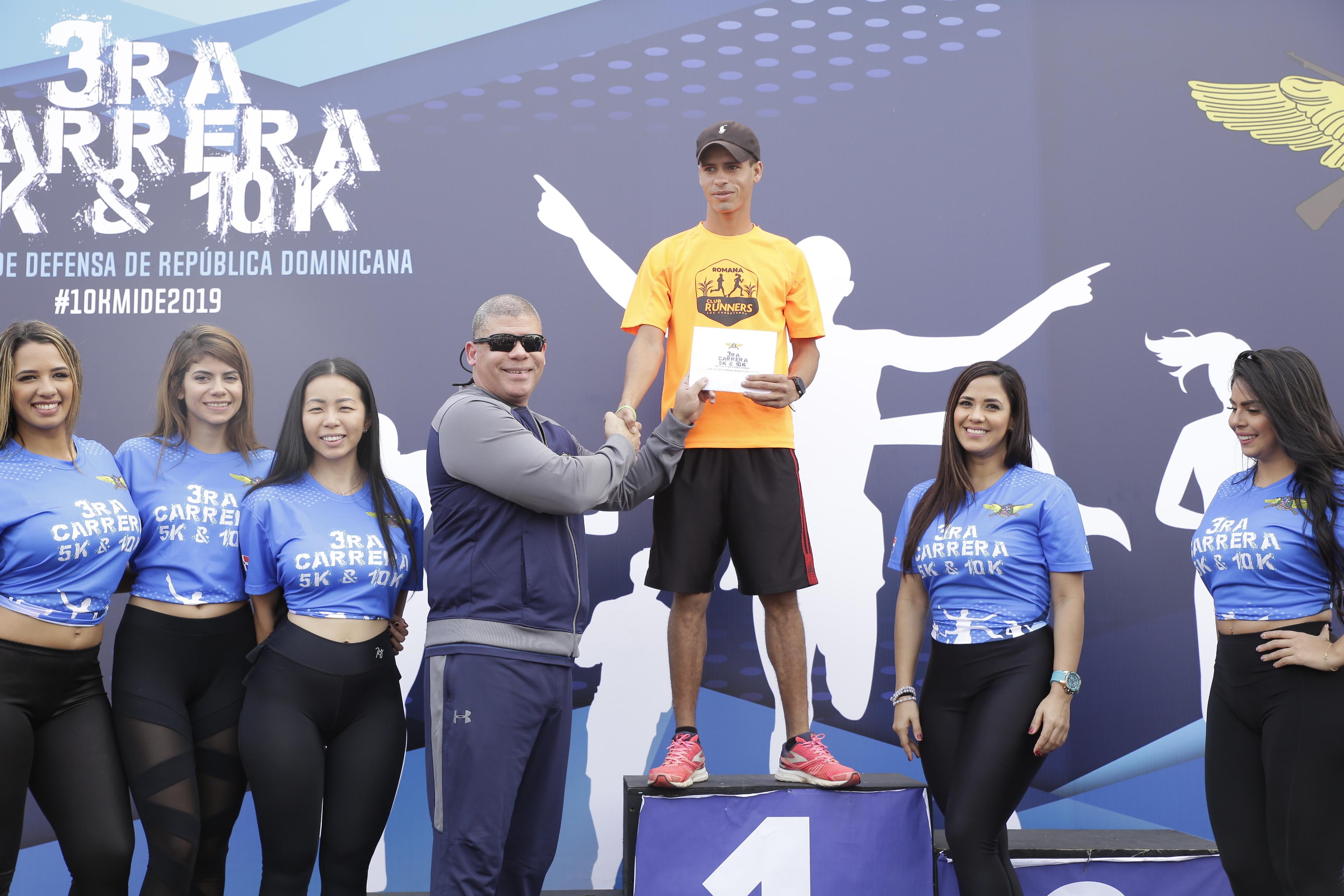 MIDE celebra carrera para fomentar el deporte como práctica de salud