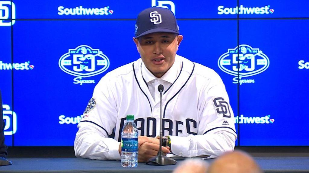 Manny Machado fue presentado por los Padres de San Diego