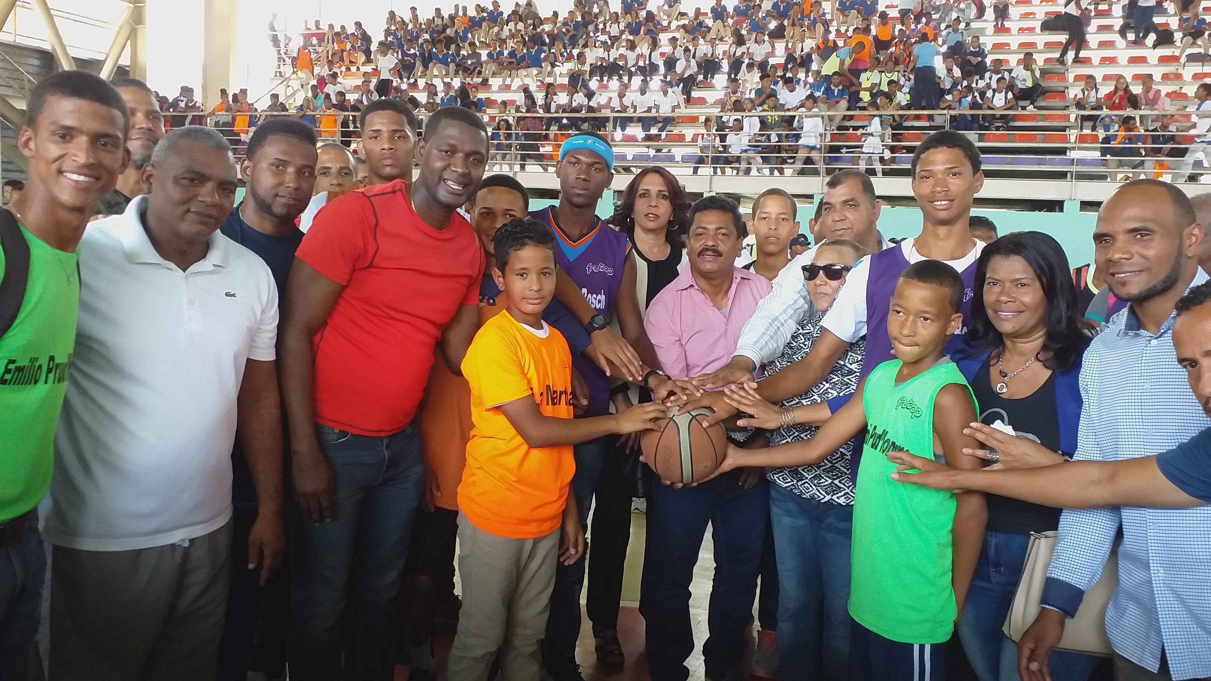 Dan apertura a VI Juegos Inter-Escolares de Los Alcarrizos