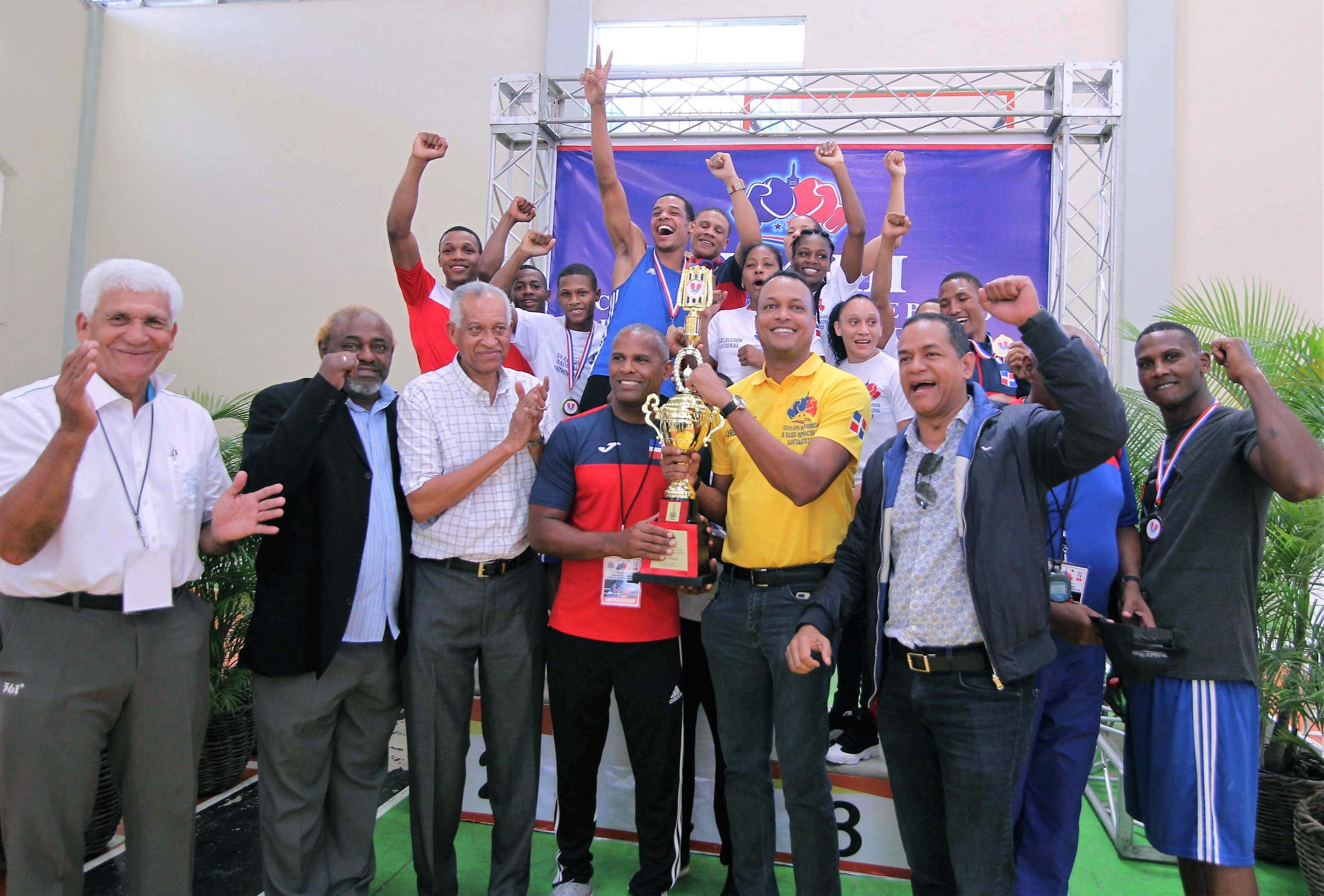 RD gana la Copa Independencia de Boxeo Internacional