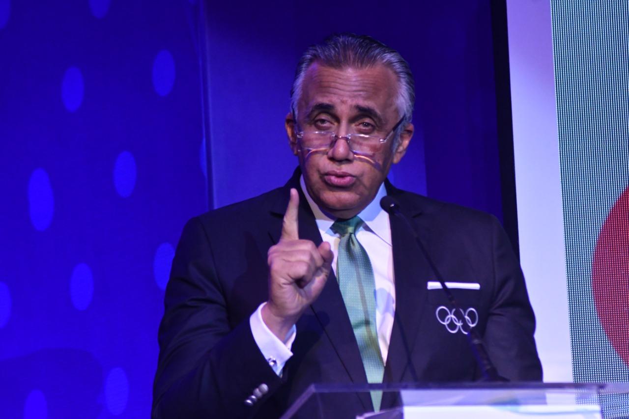 """Luis Mejía destaca logros del deporte en """"Noche Mágica de Festejos"""""""