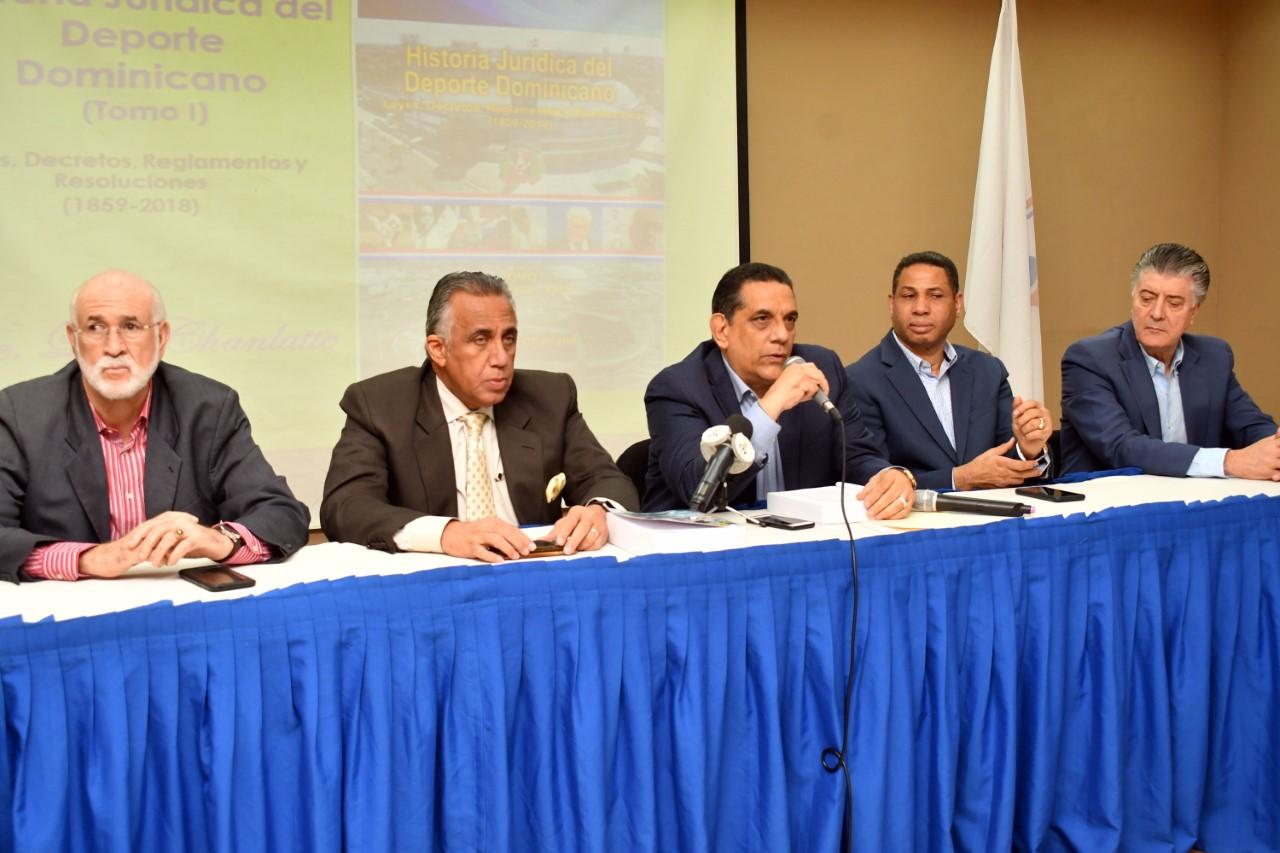 Chanlatte pone en circulación Historia Jurídica del Deporte Dominicano