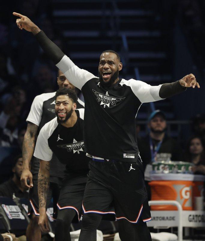 Equipo LeBron se lleva el triunfo en el Juego de Estrellas NBA