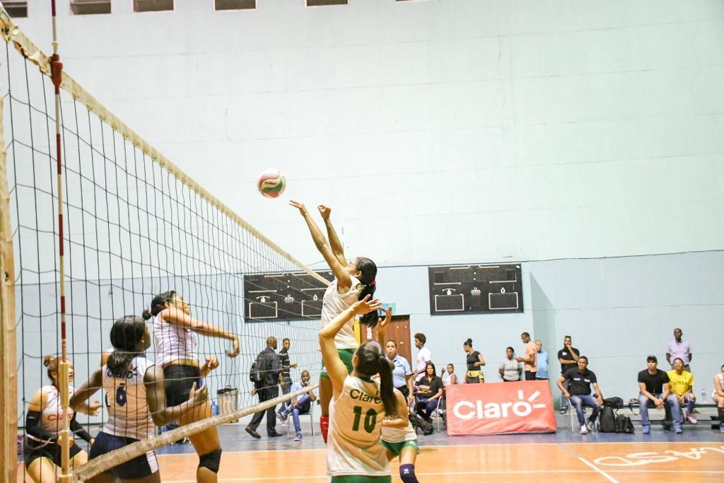 UNAPEC y UNEV clasifican para las finales nacionales