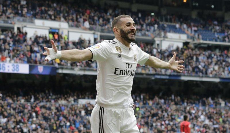 Real Madrid vence a Bilbao con triplete de Benzema