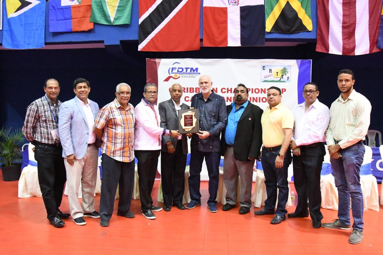 RD gana un oro y dos platas en equipo torneo del Caribe tenis de mesa