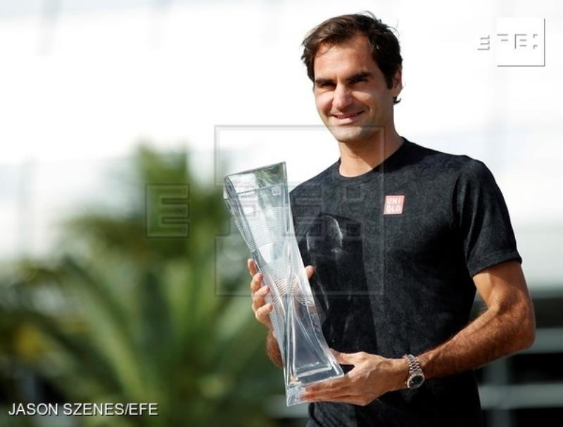 Federer sube al cuarto puesto del ranking ATP tras título en Miami