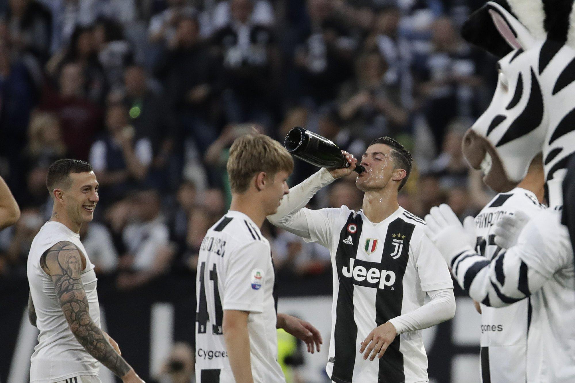 Cristiano, primer campeón en las tres grandes ligas de Europa