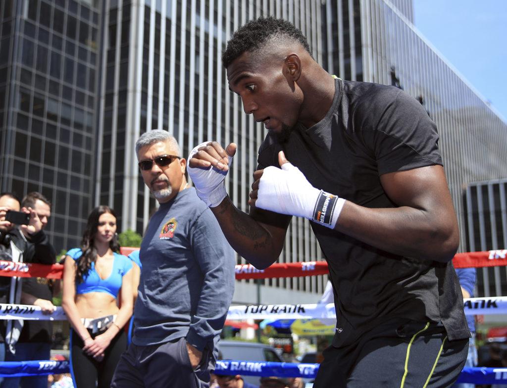 Carlos Adames busca convertirse en la nueva cara del boxeo dominicano