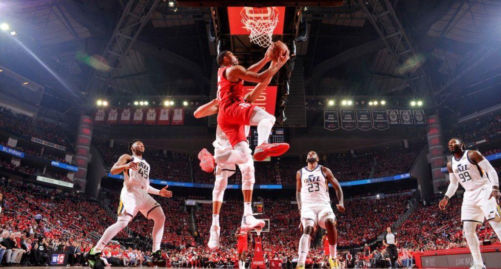 Houston vence a Utah y avanza en los playoffs de la NBA