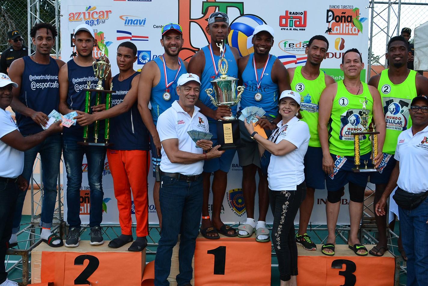 IDAC e Inapa ganan empresarial de voleibol Playero Rubén Toyota