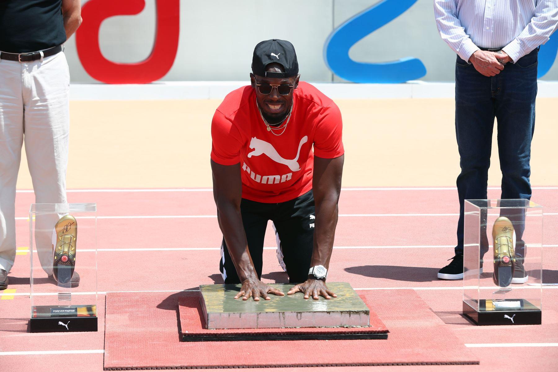 Usain Bolt deja sus huellas en el estadio de atletismo de Lima 2019