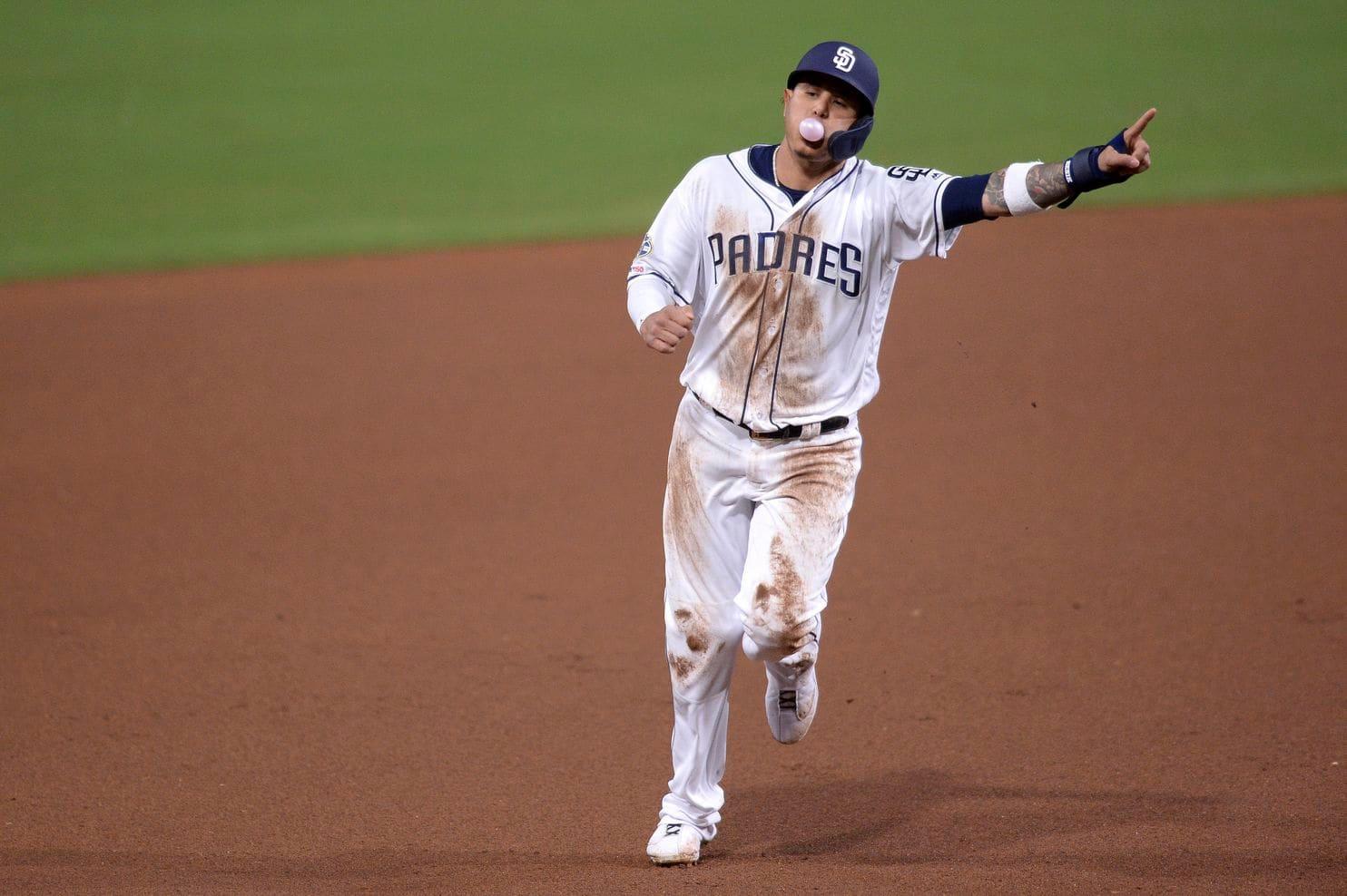 Manny Machado corona victoria de Padres con su primer jonrón