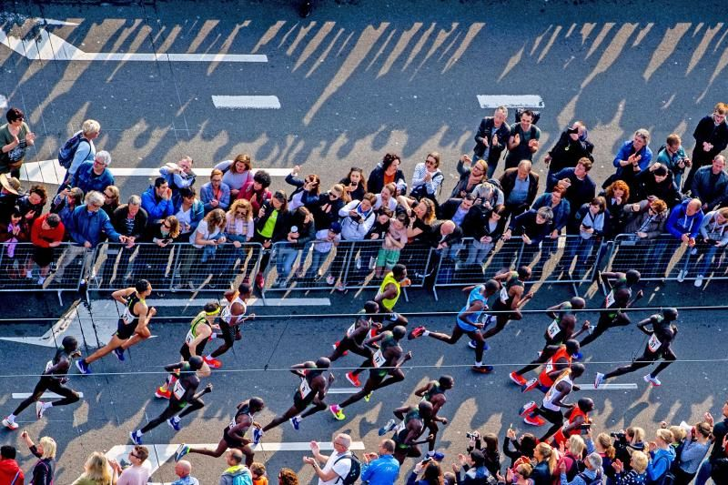 Keniano Kipserem bate el récord del maratón de Rotterdam