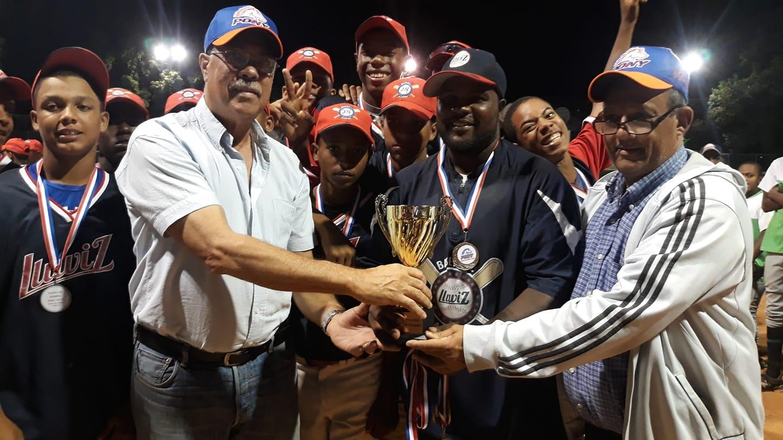 Premian a ganadores de Torneo de Béisbol Infantil en San Juan