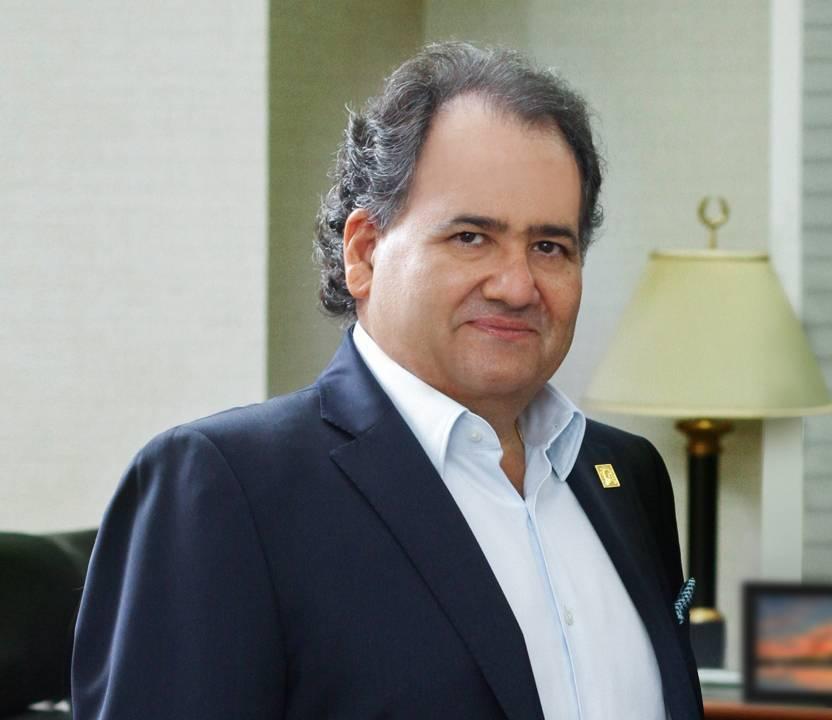 Miguel Feris Chalas es el presidente de las Estrellas