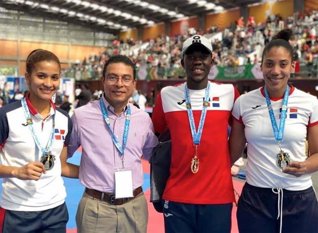 Luisito Pie gana medalla de oro en Abierto Taekwondo en México