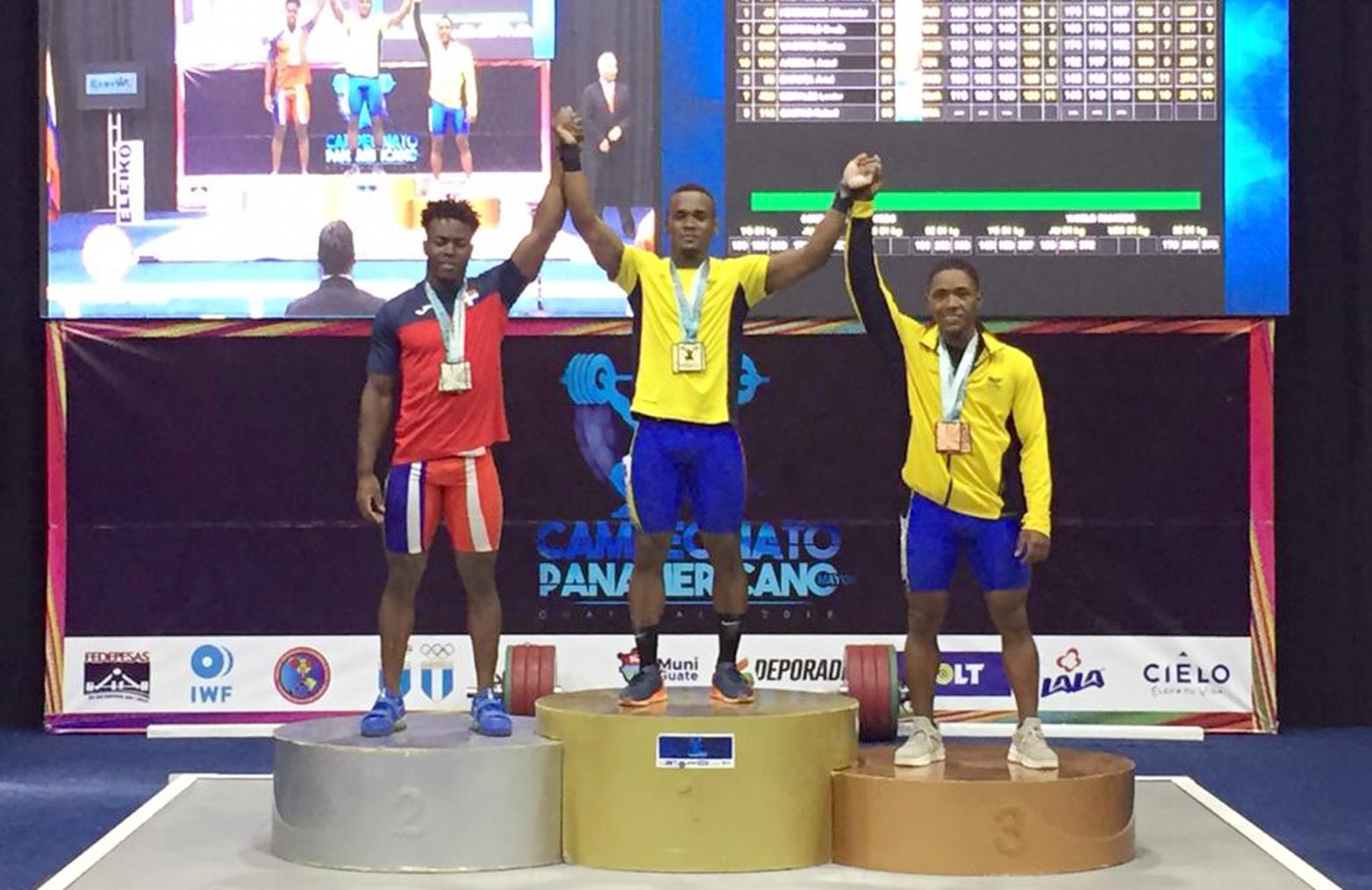 Dominicano Zacarías Bonnat logra dos medallas de plata y un bronce