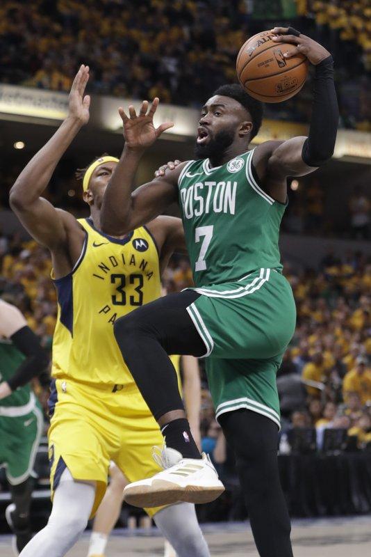 Celtics a punto de liquidar su serie contra Indiana