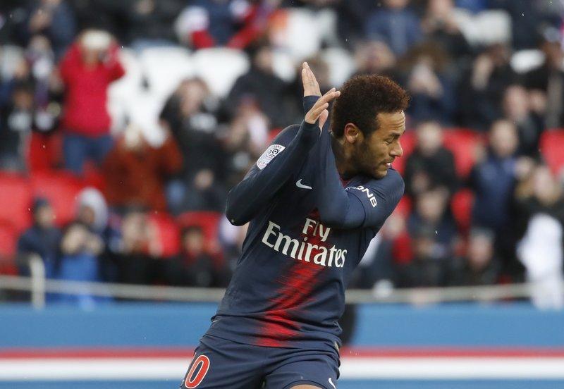 Neymar se deja sentir y PSG avanza a la final de Copa de Liga