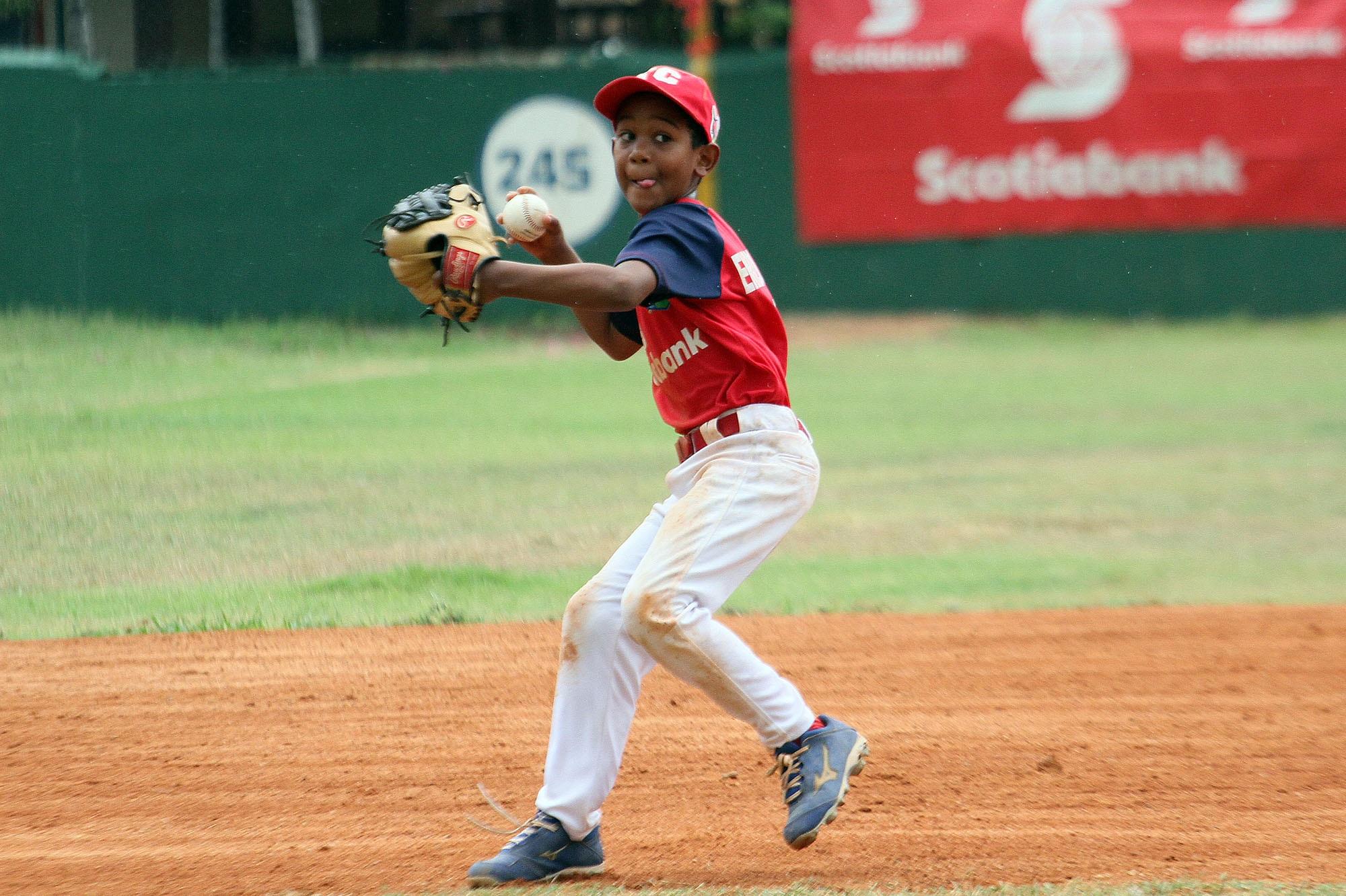 Naco y Enrique Cruz ganan sus grupos en Rally Béisbol Infantil
