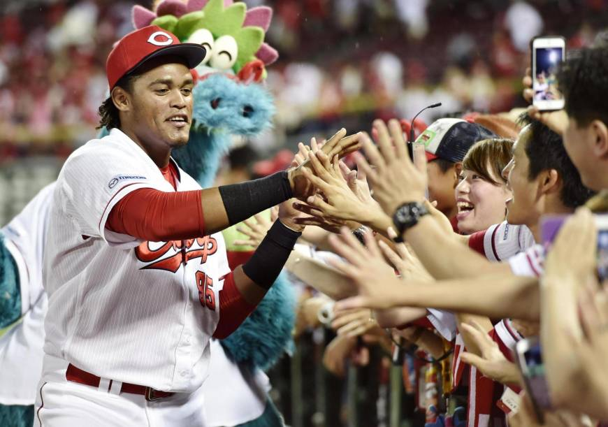 Xavier Batista aspira a 30 jonrones en béisbol de Japón