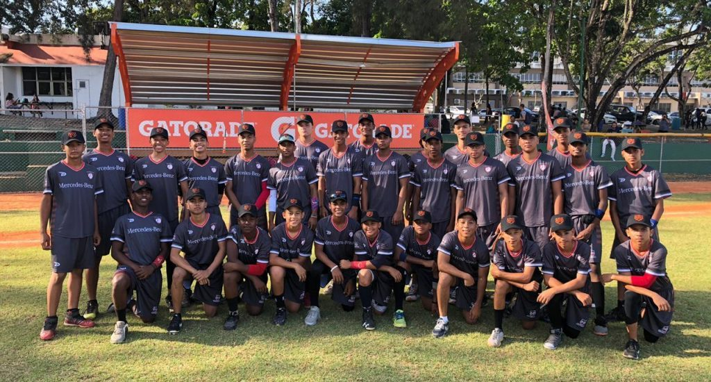 Torneo Intercolegial Baseball Club con masiva participación entrenamientos