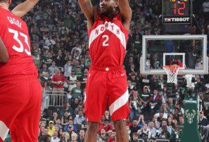 Raptors vencen a Bucks y se colocan a un triunfo de la final de la NBA