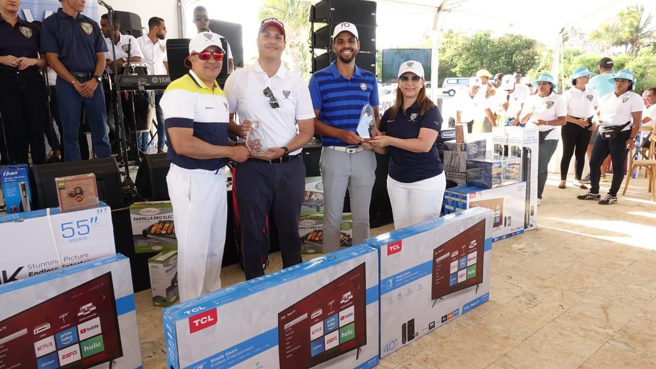 Alcántara y Félix sobresalen en Copa golf Ley y Orden