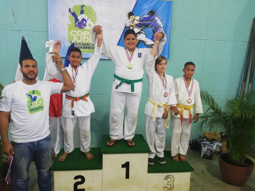 Club Naco logra siete oro y tres bronce en Copa Yamashita de Judo