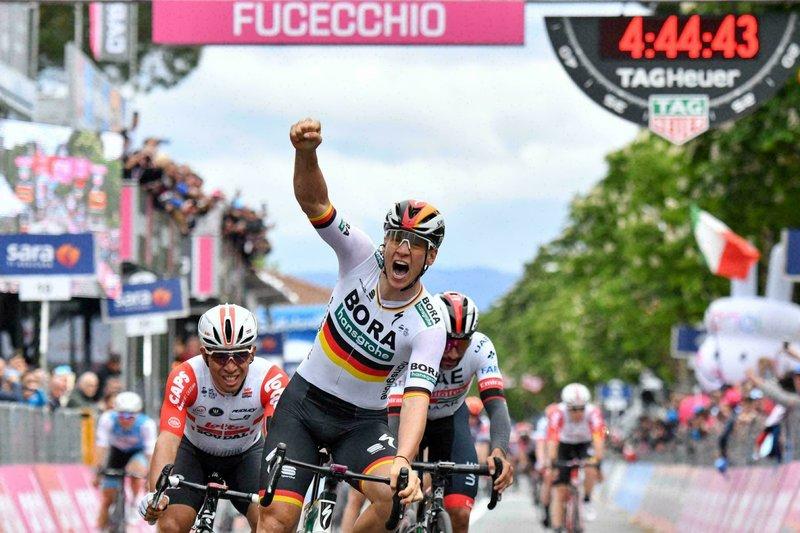 Ackermann gana la segunda etapa del Giro de Italia