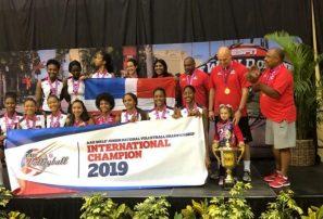 Dominicanas se coronan campeonas en torneo de AAU