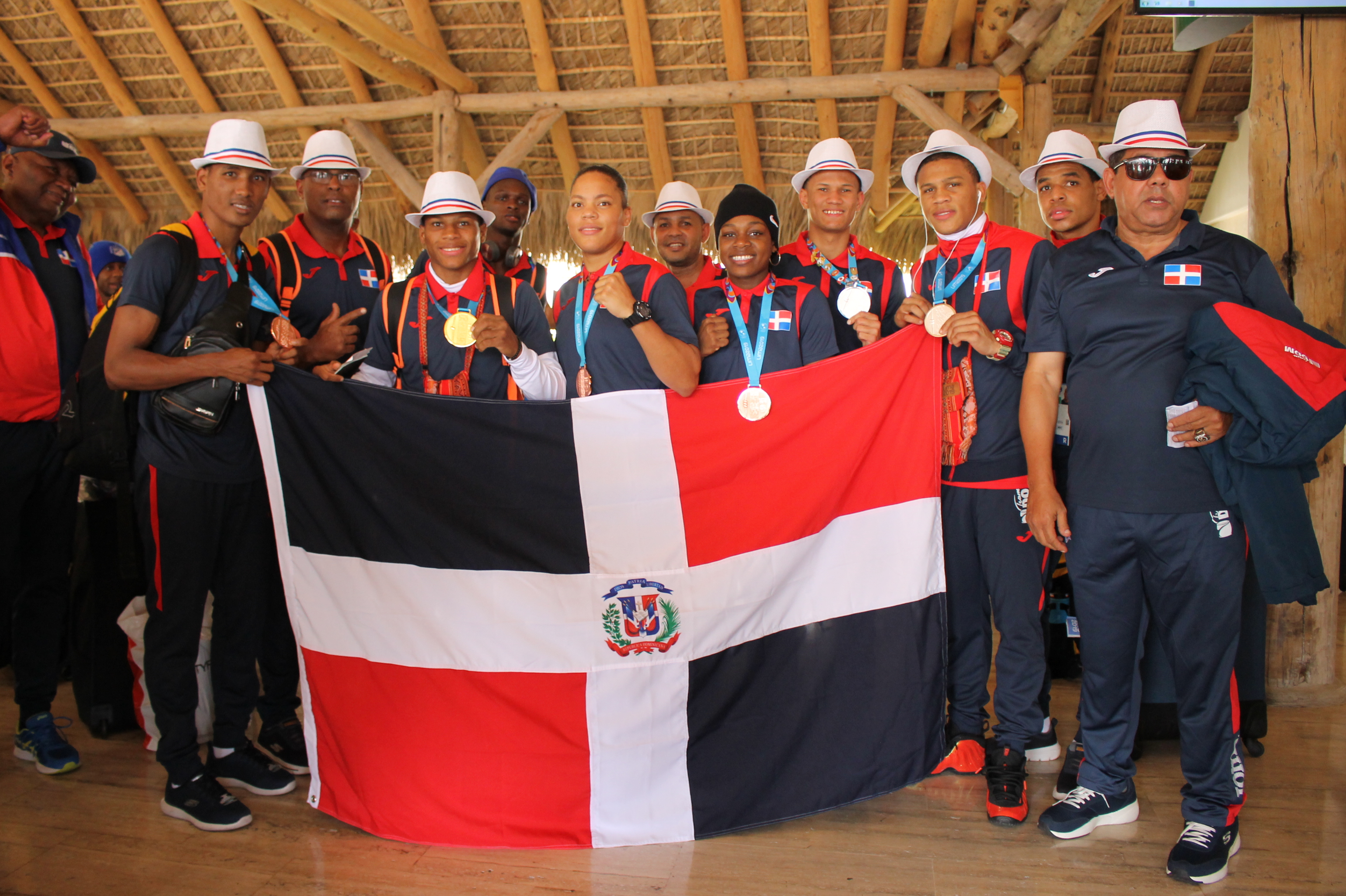 Delegación dominicana de boxeo regresa con seis medallas al país