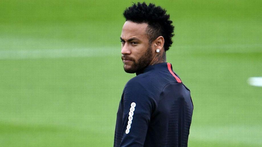 PSG rechaza oferta de 190 MM de euros de Barcelona por Neymar
