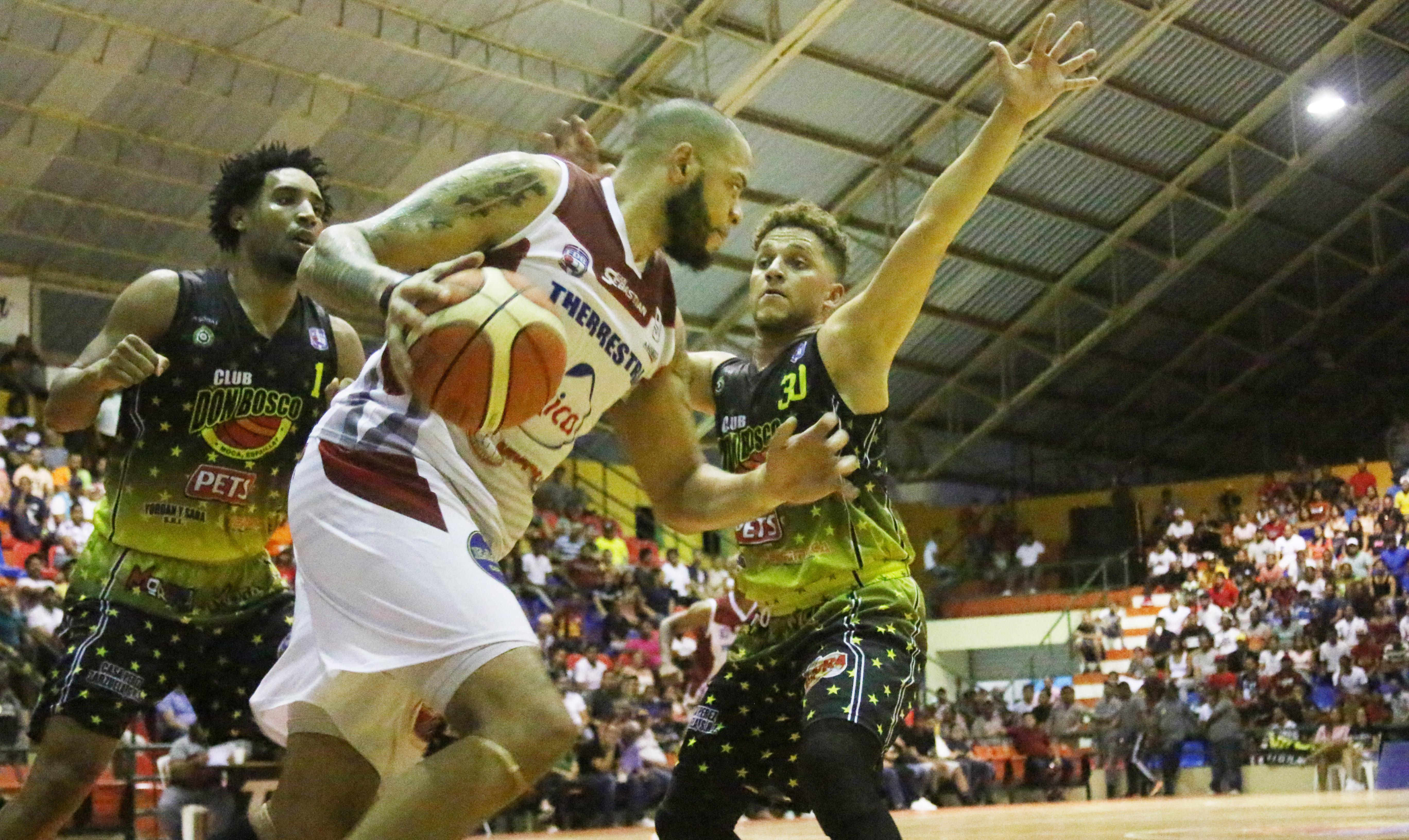 Don Bosco se recupera y empata final Baloncesto de Moca