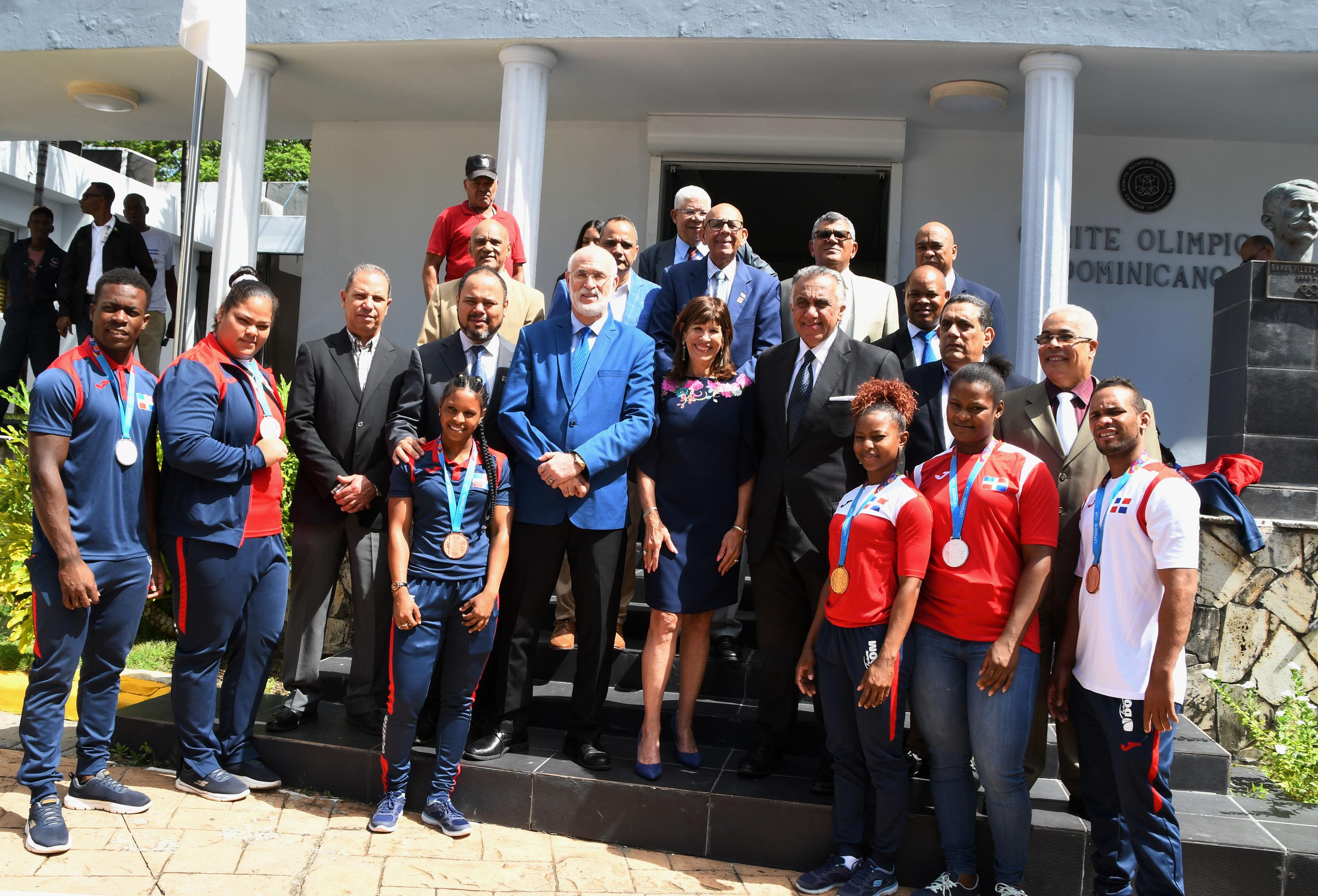 COD valora iniciativa de embajadora Bernstein a favor de los atletas