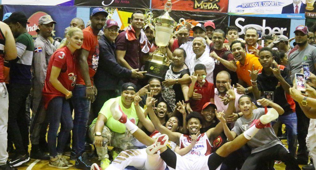 San Sebastián campeón del baloncesto de Moca